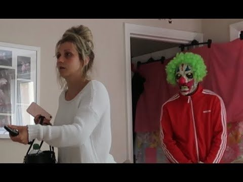KILLER CLOWN IN HOUSE PRANK!!!!!